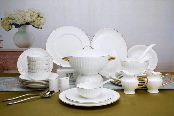 陶瓷器皿茶具杯具-東方瑩骨瓷14年磨礪成為凱迪拉克合作商
